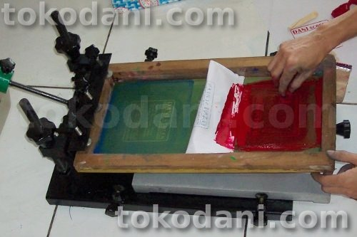 Foto 7 Tutorial Sablon Kantong Plastik Multi Warna